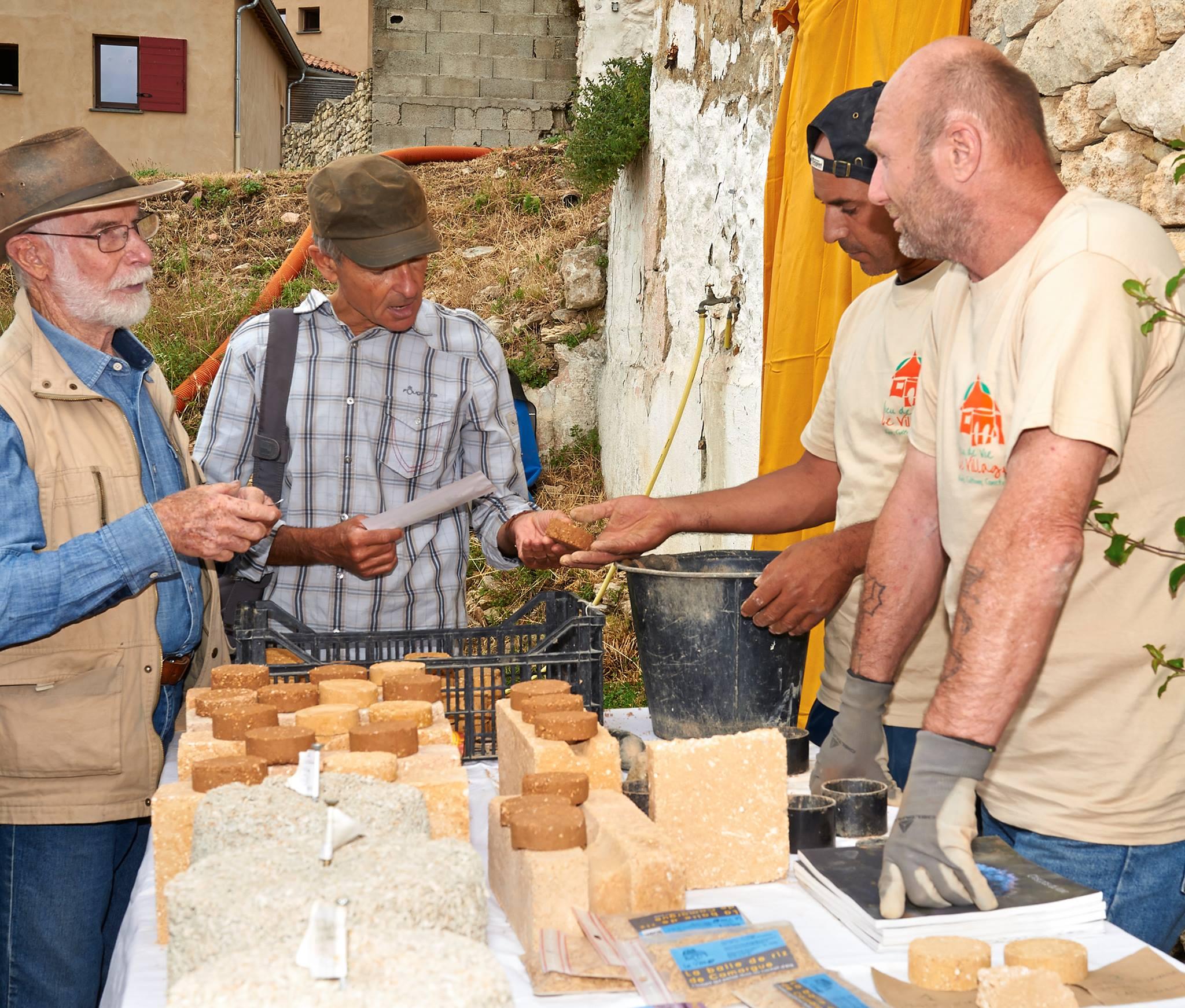 Atelier Brique de terre crue avec Le Village http://associationlevillage.fr/